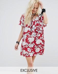 Платье мини с оборками и цветочным принтом Reclaimed Vintage - Красный