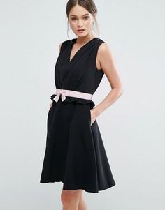 Короткое приталенное платье Ted Baker Vexi - Черный