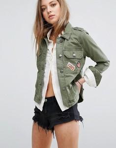 Куртка в стиле милитари с нашивками Hollister - Зеленый