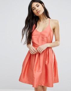 Приталенное платье для выпускного со свободной юбкой Girls On Film - Оранжевый
