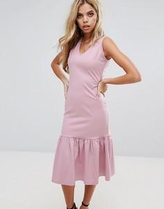 Платье миди с заниженной талией и оборкой по низу Boohoo - Розовый