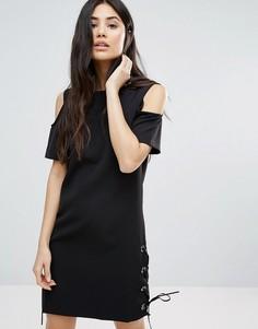 Цельнокройное платье c открытыми плечами Girls on Film - Черный