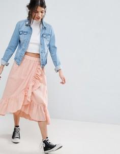 Хлопковая юбка миди с запахом и кромкой-оборкой ASOS - Розовый