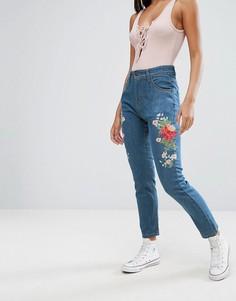 Джинсы с вышивкой PrettyLittleThing - Синий