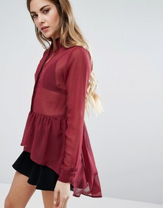 Полупрозрачная блузка с баской QED London - Красный