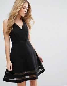 Короткое приталенное платье с прозрачными вставками Adelyn Rae - Черный
