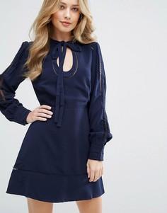 Платье с вырезом капелькой Adelyn Rae - Темно-синий