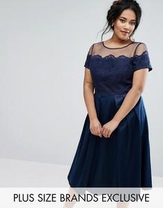 Платье с атласной юбкой и сетчатым лифом с вышивкой Chi Chi London Plus - Темно-синий