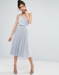 Платье миди с плиссировкой и запахом ASOS - Синий