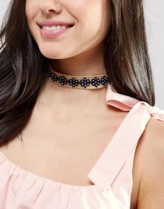 Ожерелье-чокер из рафии с цветами ASOS - Коричневый