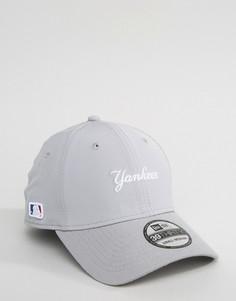 Плотно прилегающая кепка из эластичного нейлона New Era 39Thirty NY Yankees - Серый