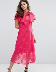 Кружевное платье миди с оборками Miss Selfridge - Розовый