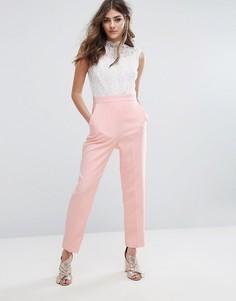 Комбинезон с кружевной блузкой и высоким воротом Miss Selfridge - Розовый