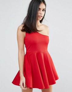 Короткое приталенное платье на одно плечо Unique 21 - Красный