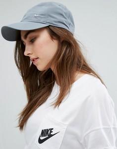 Серая кепка с фирменной металлической галочкой Nike - Серый