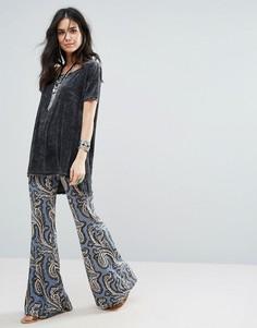 Расклешенные брюки с принтом Free People Park Paradise - Синий