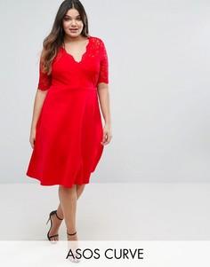 Приталенное платье миди с кружевным топом ASOS CURVE - Красный