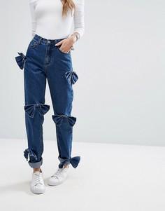 Свободные джинсы в винтажном стиле с состаренными бантиками Glamorous - Синий