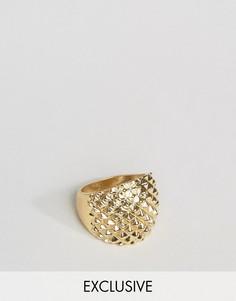 Массивное золотистое фактурное кольцо DesignB London - Золотой