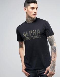 Черная футболка классического кроя с камуфляжным логотипом Alpha Industries - Черный