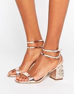 Сандалии на блочном каблуке с камнями Miss Selfridge - Золотой