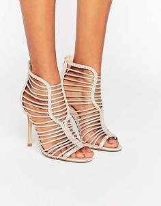 Босоножки на каблуке с ремешками и эффектом металлик Miss Selfridge - Бежевый