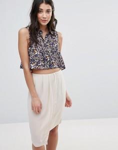 Укороченная рубашка без рукавов с принтом Neon Rose - Мульти