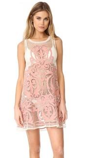 Платье с высоким вырезом Nostalgia Suboo