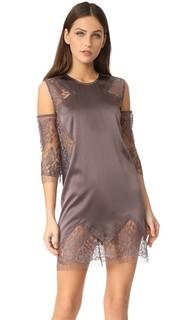 Свободное платье с открытыми плечами Michelle Mason