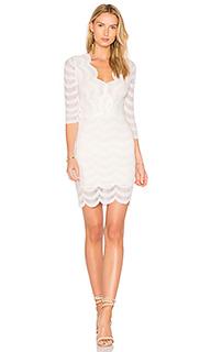 Платье с глубоким v-образным вырезом fiesta - Nightcap