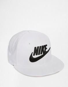 Бейсболка Nike Limitless 584169-100 - Белый