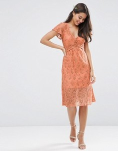 Кружевное платье миди с запахом и завязкой ASOS WEDDING - Оранжевый