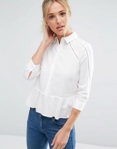 Блузка из мягкой саржи с кружевной отделкой ASOS - Кремовый