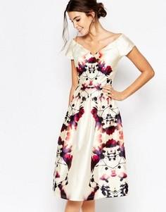 Атласное платье миди для выпускного с глубоким вырезом Chi Chi London - Мульти
