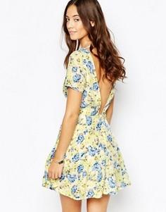 Приталенное платье с открытой спиной Goldie Leap Of Faith - Желтый