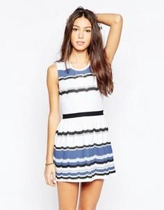 Короткое приталенное платье в разноцветную полоску Your Eyes Lie - Темно-синий
