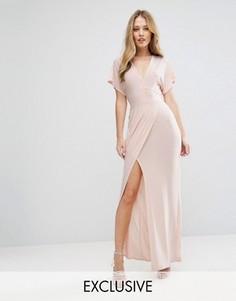 Платье макси с глубоким вырезом, завязками спереди и вырезом Love - Розовый
