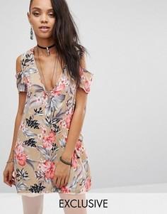 Чайное платье с гавайским цветочным принтом и вырезами на плечах Milk It Vintage - Бежевый