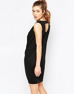 Цельнокройное платье без рукавов с драпированным воротом Ichi - Черный