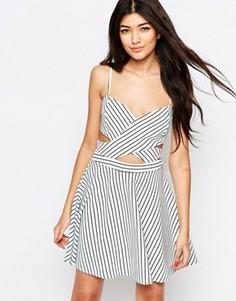 Короткое приталенное платье с принтом в полоску и вырезами Wyldr In Love - Мульти
