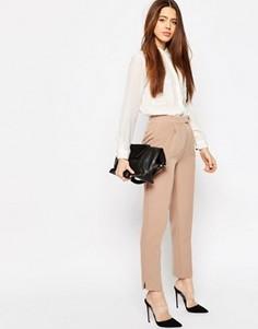 Зауженные брюки с разрезами ASOS Luxe - Бежевый