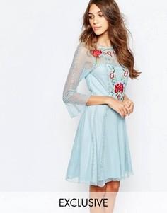 Приталенное платье с вышивкой Frock And Frill - Синий