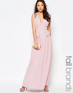 Платье макси с баской на талии, глубоким вырезом и отделкой Little Mistress Tall - Розовый