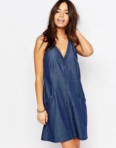 Джинсовое платье с присборенной юбкой и V-образным вырезом Esprit - Темно-синий