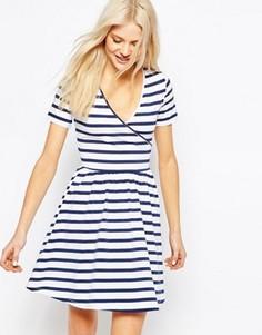 Короткое приталенное платье в полоску с запахом ASOS - Мульти