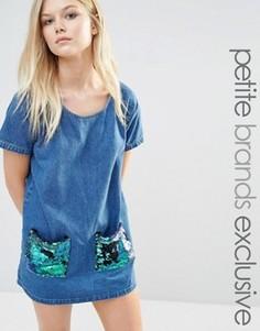 Цельнокройное джинсовое платье с пайетками на карманах Liquor & Poker Petite - Синий
