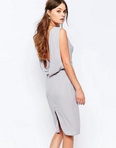 Платье-футляр с драпировкой сзади Elise Ryan - Серый
