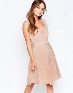 Плиссированное короткое платье с кружевной юбкой Elise Ryan - Розовый