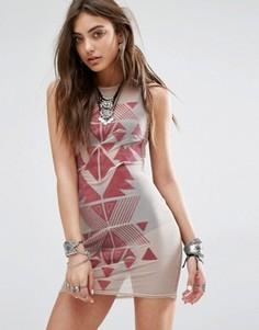 Облегающее платье без рукавов из полупрозрачной сетки с флоковым узором Rokoko - Бежевый
