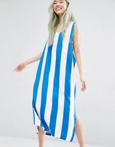 Платье в широкую полоску с разрезами Weekday - Мульти